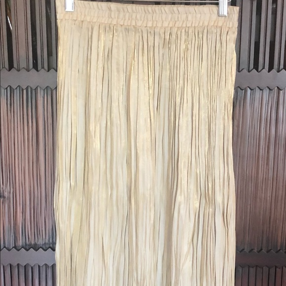 NWOT Worthington Pleated Gold Maxi Skirt- 10